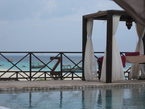 The Z Hotel Zanzibar: Massage table by the pool