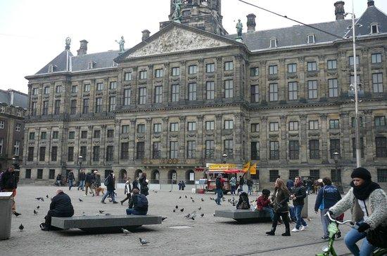 Swissotel Amsterdam: Just off Dam Square