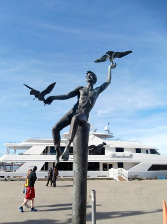 Port of Galveston: Sculpture by the harbour in Galveston