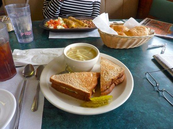 Beeline Cafe: Lunch