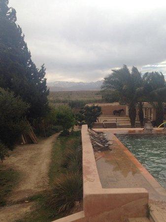 Jnane Tihihit: Bon là il fait pas très beau.. Mais admirez ce paysage de Pampa derrière..