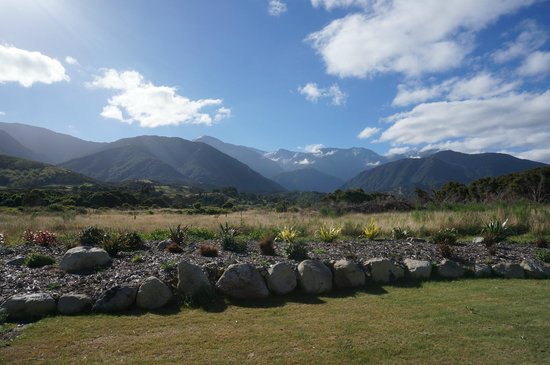 Manakau Lodge: View from our patio