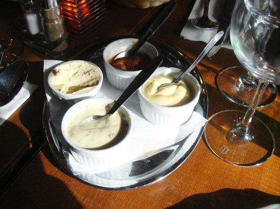 El Toro Negro: sauces. that salsa is so good!!