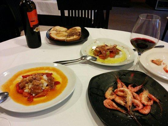 El Bolon Verde Restaurante : Quisquilla, esgarraet y tomate con anchoas.
