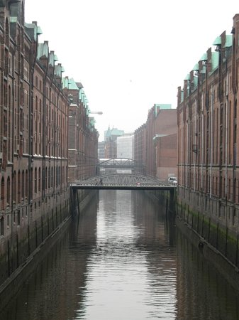 SANDEMANs NEW Hamburg Tours: Hafen City