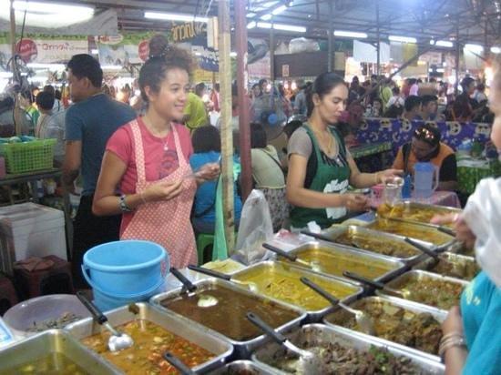 Naka Market: amazing food stall.....the food was yummy!