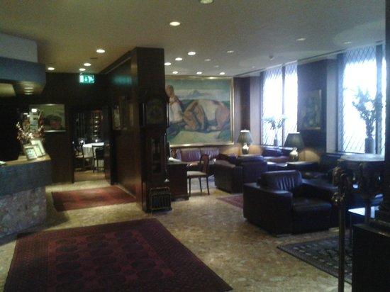 Hotel Holt : Lobby