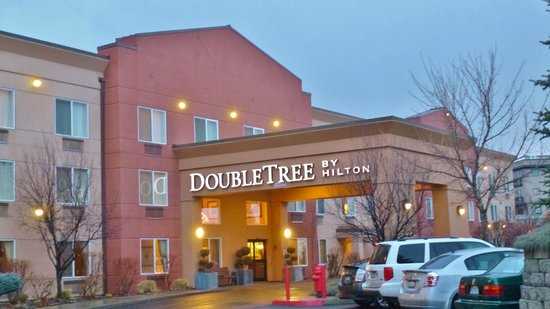 DoubleTree by Hilton Bend : Hotel Exterior