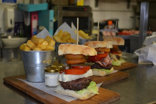 The Chequers Pub & Kitchen: The Chequers Burger