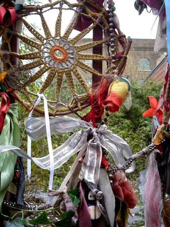 Crossbones Graveyard: Cross Bones Graveyard: Aufgelassener Friedhof in London