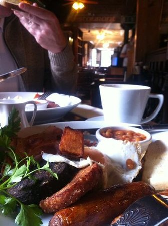 The Quays Temple Bar: full Irish breakfast