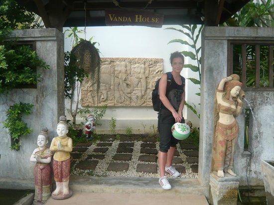 Vanda House Resort: entrance to hotel