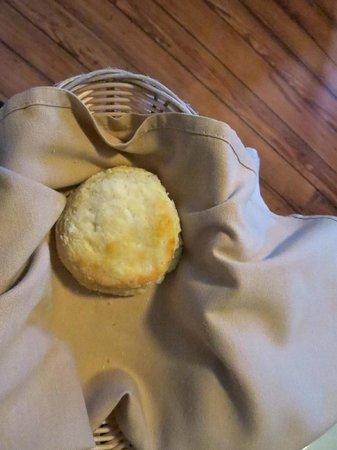 Poogan's Porch : Biscuit!