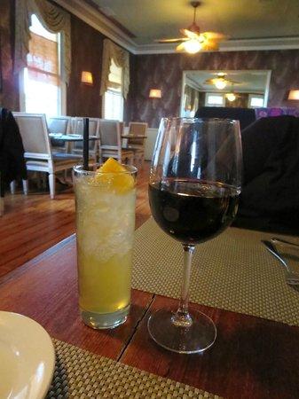 Poogan's Porch : Bordeaux and Eartbound cocktail