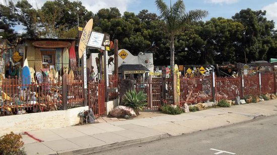 Pismo Beach Surf Shop: The Pismo Surf Shop from the street