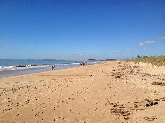 Itapemirim, ES: Praia de Itaoca (pinheiros)