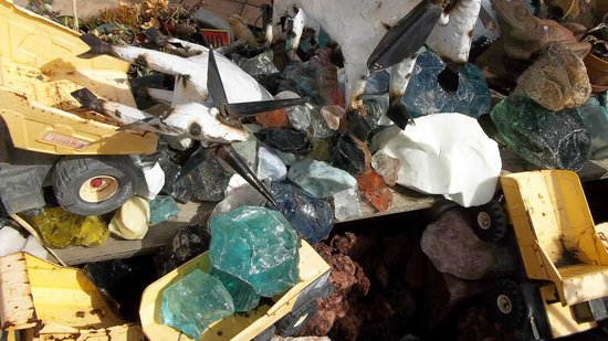 Pismo Beach Surf Shop: Slag Glass