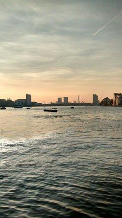 De Vere Devonport House: View of london from Greenwich, a 5 min walk from hotel