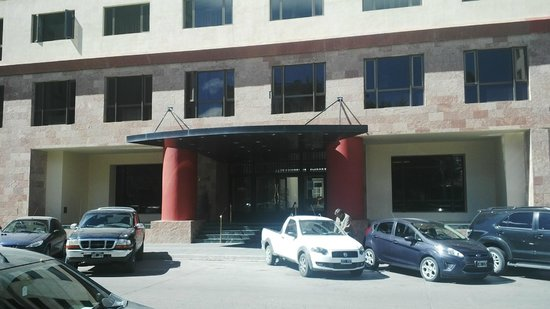 Austral Plaza Hotel: Entrada principal