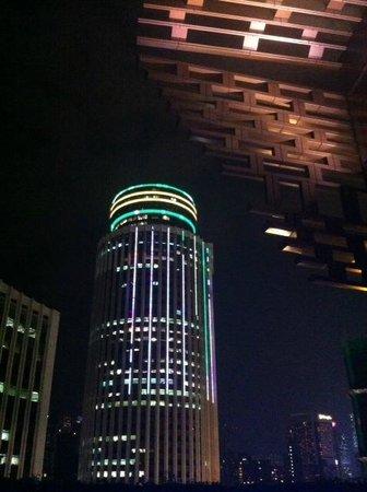 Hotel Indigo Hong Kong Island: From roof pool area