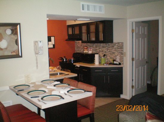 Staybridge Suites Lake Buena Vista : Cocina del apartamento I