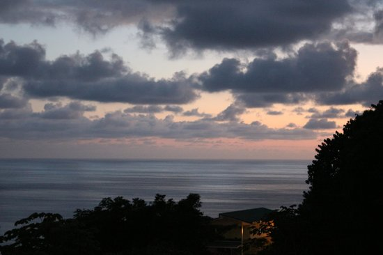 Emilio's Cafe: The view at sunset