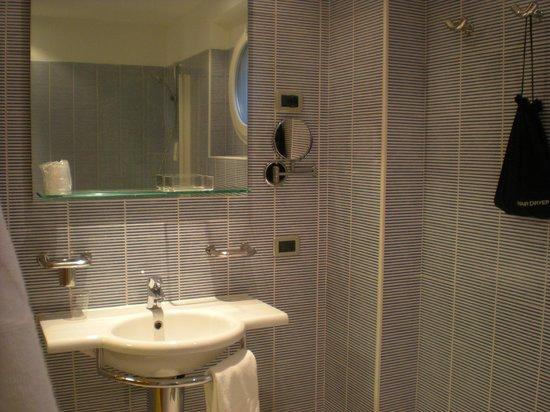 BEST WESTERN Bologna Hotel - Mestre Station: Banheiro