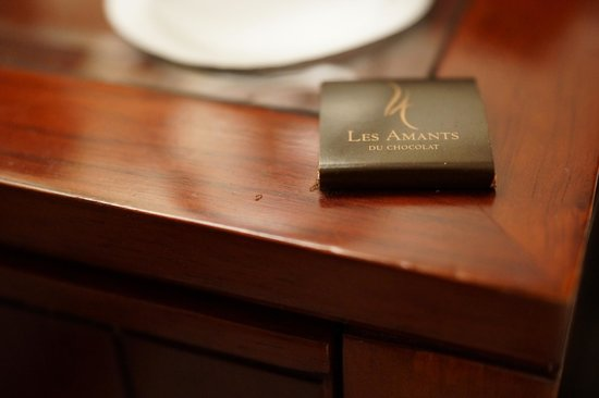 Belmond Copacabana Palace : Ants eating the bedside chocolate!!!