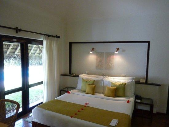 Marari Beach Resort: deluxe pool villa bedroom