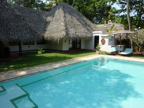 Marari Beach Resort : dekuxe pool villa courtyard