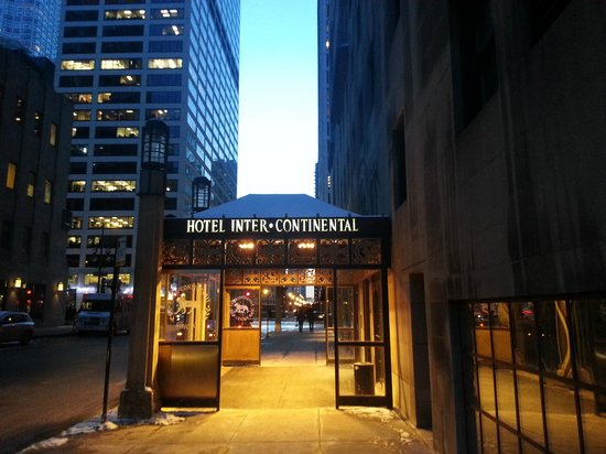 InterContinental Chicago : Side Entrance