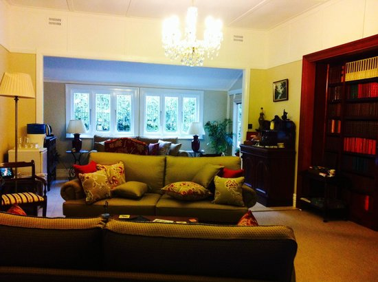The Greens of Leura Bed and Breakfast: Guest Common Area