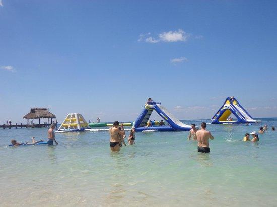 Paradise Beach: Juegos en la playa (Costo adicional)