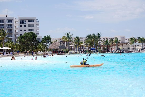 Hotel Playa Blanca Beach Resort: Kayac en la crystal lagoon