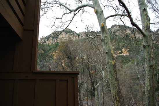 Junipine Resort: Oak Creek Canyon -- Junipine