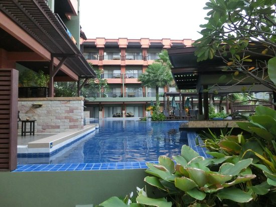 Patong Merlin Hotel: One of the pools.