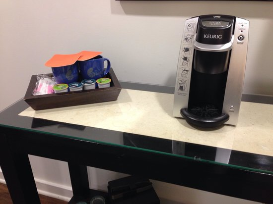 Hotel Indigo Fort Myers River District: The Keurig