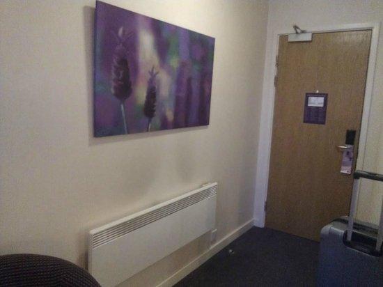 Premier Inn Manchester Trafford Centre West: Door and Decor