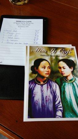 Miss Ly Cafe : 结账后还送了Miss Ly几张明信片