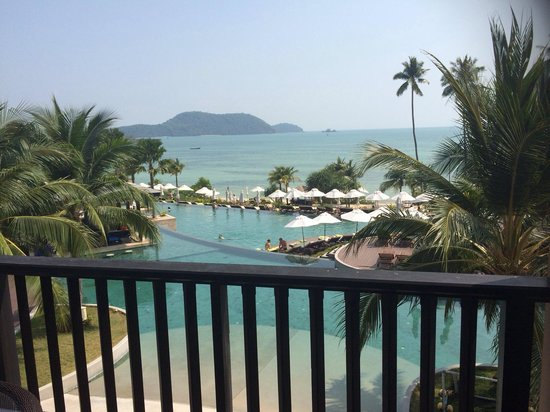 Pullman Phuket Panwa Beach Resort: View from 4024 when tide is in...
