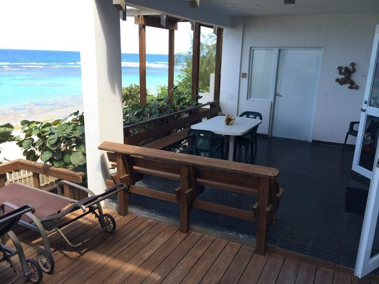 写真Villa Tropical Oceanfront Apartments on Shacks Beach枚