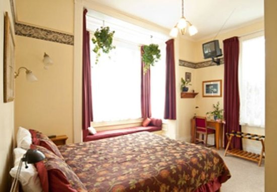 Sussex House Bed and Breakfast: Schubert Suite (ground floor & wheelchair accessible bathrrom)