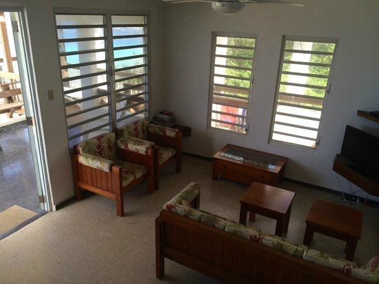 Villa Tropical Oceanfront Apartments on Shacks Beach Photo