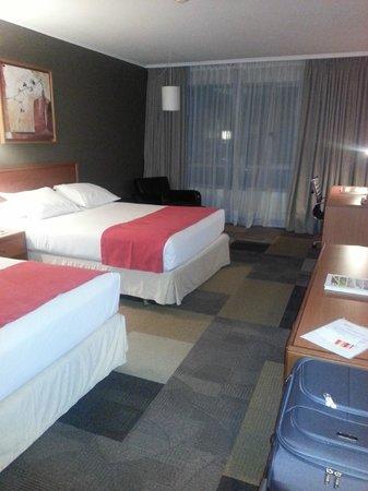 Atton Las Condes: Vista de la habitación doble piso 17