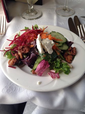 Napa Valley Wine Train: Awesome salad with goat cheese.