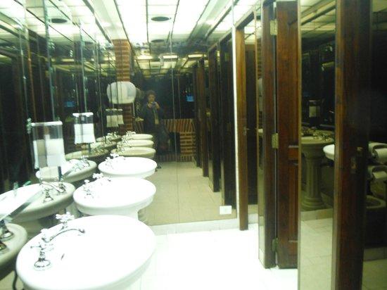 La Ventana Tango Show : banheiro