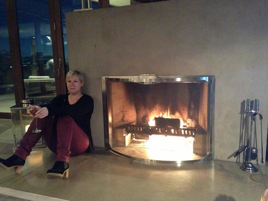 Eagles Nest: Wine by the fire