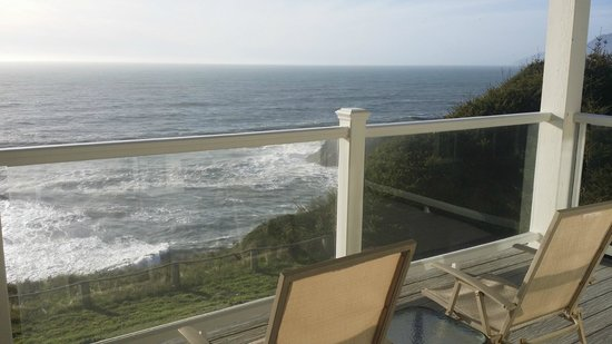 Spyglass Inn at Shelter Cove: Balcony View