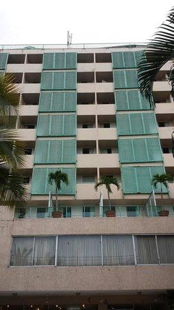 Gran Hotel Sula: Balconies facing the pool area.