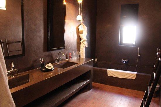 Riad First : Salle de bain